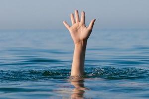 Утопление: виды утопления, первая помощь при утоплении в пресной и соленой воде
