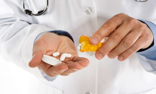 Хламидиоз у мужчин: симптомы и лечение, препараты, последствия, первые признаки