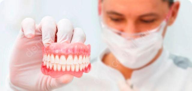 Покрывные зубные протезы: показания, противопоказания, материалы, применяемые при изготовлении, «плюсы» и «минусы» конструкций